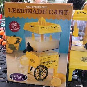 Old Fashion Lemonade Cart